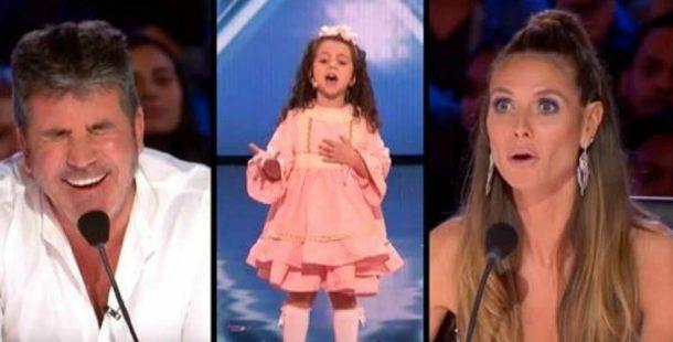 5 Yaşındaki Minik Sahneye Çıkınca Başta Dikkate Almadılar – Performansına Başlayınca Şaşırıp Kaldılar