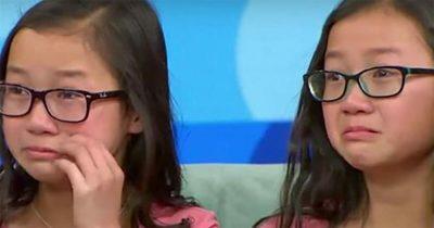 Kızına Tıpatıp Benzeyen Bir Başka Çocuğun Fotoğrafını Gördü – Haftalar Sonra Bir Mucize Gerçekleşti