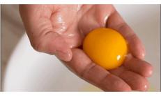 Tek Bir Yumurta Sarısı Sizi 10 Yaş Gençleştirecek.
